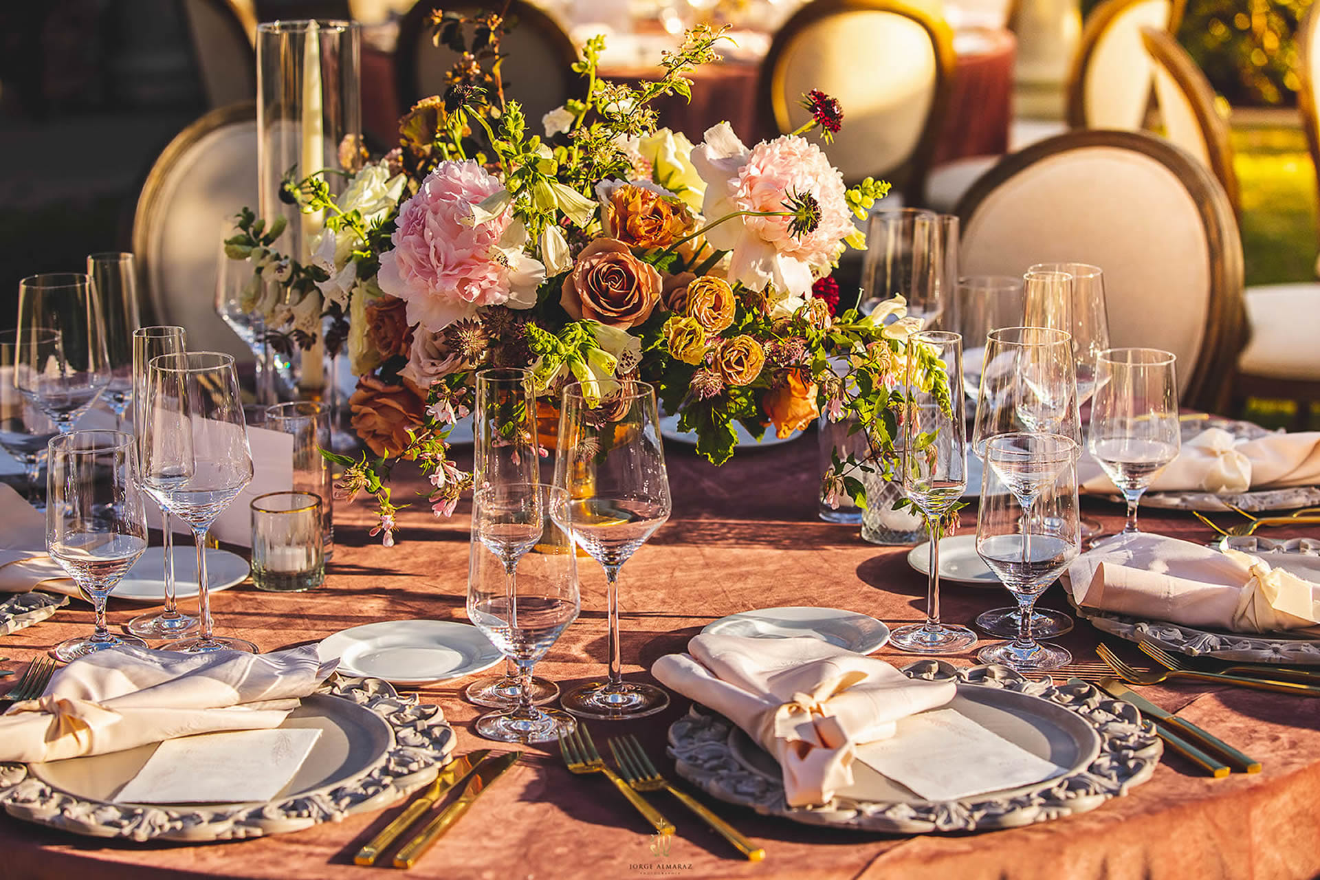 Table Setting Crown Rentals